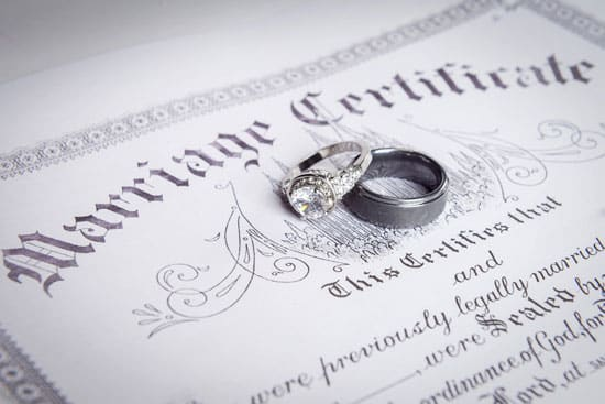 certified and notarized marriage license translation